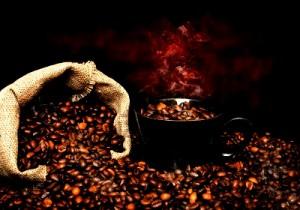 Boire du café pour ne pas dormir : Bonne ou mauvaise habitude ?