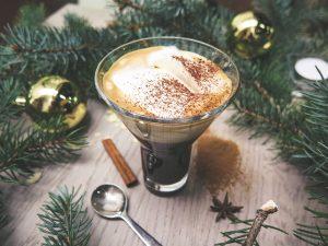 Quel cadeau offrir pour Noël : quelques idées autour du café